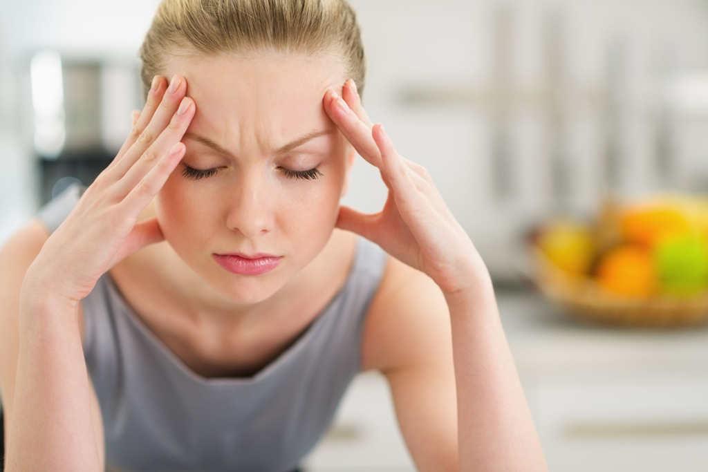 Migräne plagt viele Menschen. Akupunktur kann helfen.